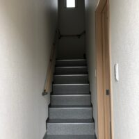 スクエア21東松山市松葉町【貸事務所】階段