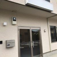 スクエア21東松山市松葉町【貸事務所】1階観音扉