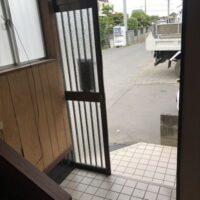 南古谷貸家【3DK】玄関